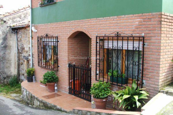 VENTA CASA EN CABRALES CON FINCA. REF 10193